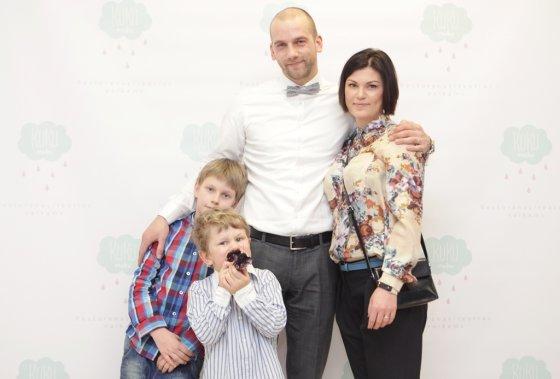 LNK nuotr./Žygis Stakėnas su šeima