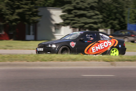 "Eriko Ovčarenko/15min.lt nuotr./""NP Team"" komandos garažas"
