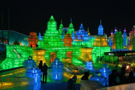 123rf.com nuotr./Ledo ir sniego skulptūrų festivalis Kinijoje sulaukia milijonų lankytojų