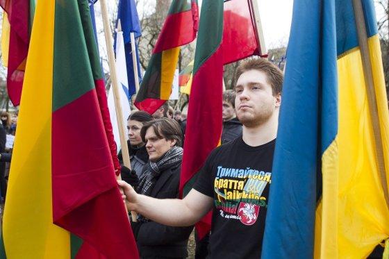 Irmanto Gelūno/15min.lt nuotr./Prie Rusijos ambasados mitingas prieš Rusijos agresiją.