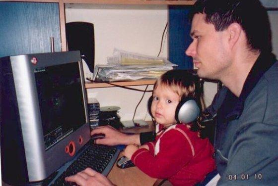 Natalijos B. nuotr./Kompiuteriniai žaidimai su tėčiu.