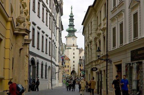 """""""Scanpix"""" nuotr./Iš apsnūdusio provincijos miestelio Bratislava tapo jaukia ir modernia Europos sostine."""