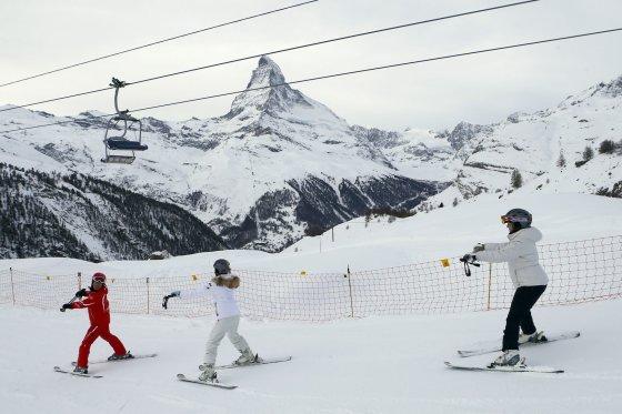 """""""Scanpix"""" nuotr./Šveicarijos Sen Morisas (St. Moritz): puikūs viešbučiai ir patogios slidinėjimo trasos"""