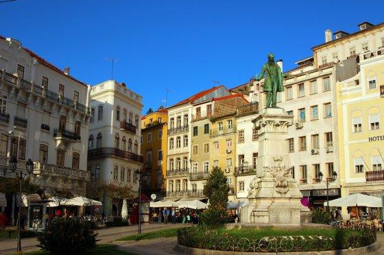 Statula skirta atminti triskart buvusį Portugalijos premjerą, kuris gimė Koimbroje