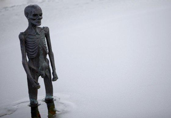 """Reuters""/""Scanpix"" nuotr./Skuptūra Kopenhagoje primena apie globalinį atšilimą."