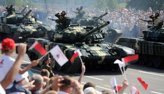 """AFP/""""Scanpix"""" nuotr./Baltarusijos nepriklausomybės dienos minėjimas"""