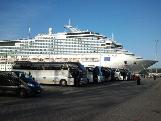 """15min.lt/Lauros Sėlenienės nuotr./Į Klaipėdą atplaukė kruizinis laivas """"Costa Pacifica"""""""