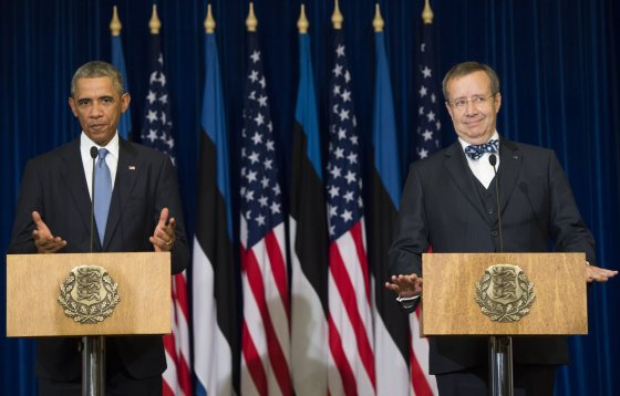 """AFP/""""Scanpix"""" nuotr./JAV prezidentas Barackas Obama ir Estijos prezidentas Toomas Hendrickas Ilvesas"""