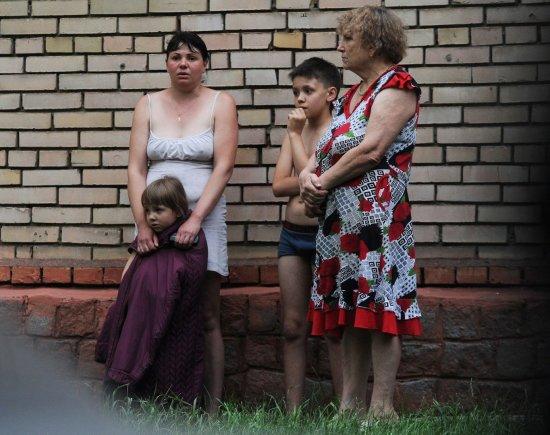 "AFP/""Scanpix"" nuotr./Išsigandę gyventojai Slovjanske"