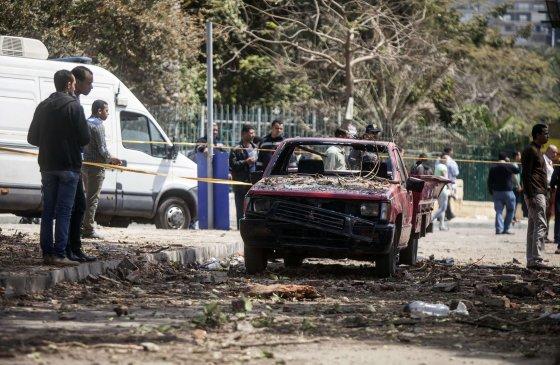 """AFP/""""Scanpix"""" nuotr./Šalia Kairo universiteto nugriaudėjo bombų sprogimai"""