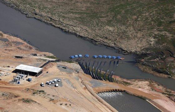 """Reuters""/""Scanpix"" nuotr./Sausros nusekintas Kantareiros vandens rezervuaras"