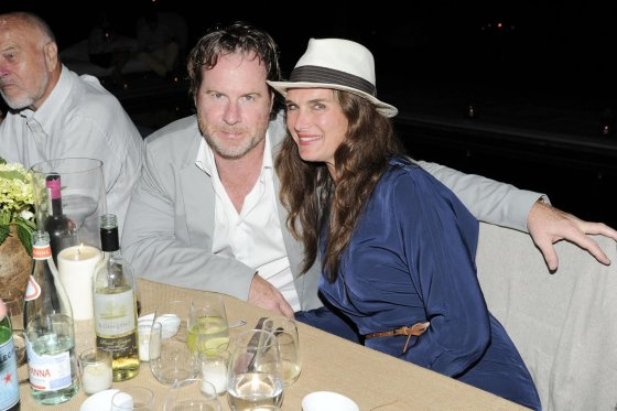 """Scanpix""/""Sipa USA"" nuotr./Brooke Shields ir Chrisas Henchy"