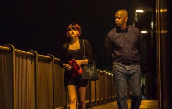 """ACME Film"" archyvo nuotr./Chloe Moretz ir Denzelis Washingtonas filme ""Ekvalaizeris"""