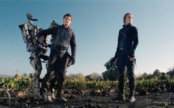 """""""ACME Film"""" archyvo nuotr./Tomas Cruise'as ir Emily Blunt filme """"Ties riba į rytojų"""""""