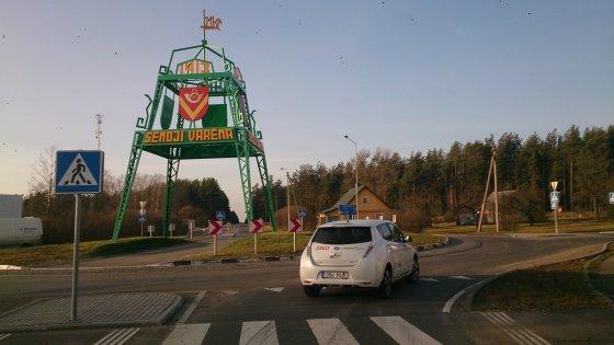 """""""Nissan Leaf"""" su viena įkrova be vargo įveikė 130 kilometrų atstumą nuo Vilniaus iki Druskininkų"""