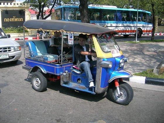 """wikimedia.org nuotr./Motorinė rikša, kitaip dar vadinama """"tuktuku"""""""