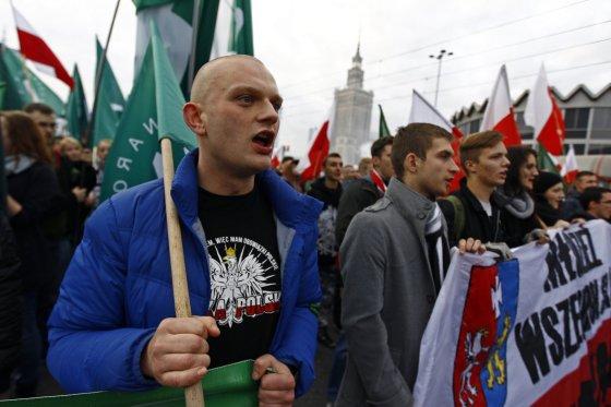 """Reuters""/""Scanpix"" nuotr./Lenkijos nacionalistų žygis Varšuvos gatvėmis"