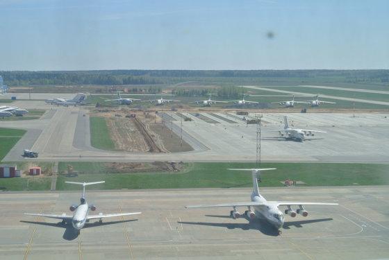 Violetos Grigaliūnaitės/15min.lt nuotr./Lėktuvai Minsko oro uostas