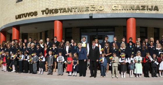 Kęstučio Vanago/BFL nuotr./Šalčininkų Lietuvos Tūkstantmečio gimnazijos mokiniai