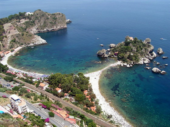 Wikimedia.org nuotr./Taorminos paplūdimys