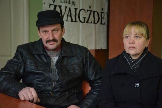 Vilmos Danauskienės nuotr./Algirdas Milukas su savo gyvenimo drauge Nijole Valkiene dėl kelio įvairių įstaigų slenksčius mina nuo 2008 m.