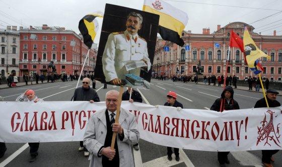 """""""Scanpix"""" nuotr./Gegužės 1-osios šventė Sant Peterburge"""