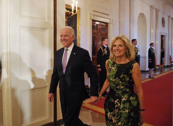 "AFP/""Scanpix"" nuotr./JAV viceprezidentas Joe Bidenas ir jo žmona Jill Biden"
