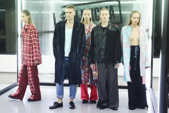 Luko Balandžio/Žmonės.lt nuotr./ Darios Babaevos ir Marinos Butenko kolekcijos modeliai