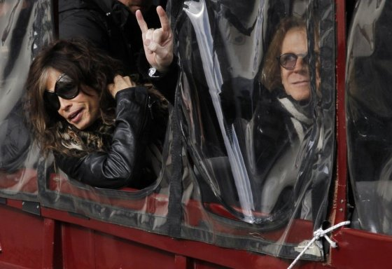 """""""Scanpix"""" nuotr./""""Aerosmith"""" vokalistas Stevenas Tyleris (kairėje) ir bosistas Tomas Hamiltonas"""