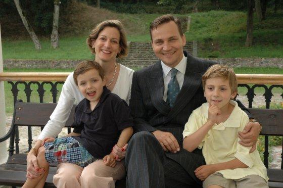 adeksikorski.pl nuotr./Radoslawas Sikorskis su šeima