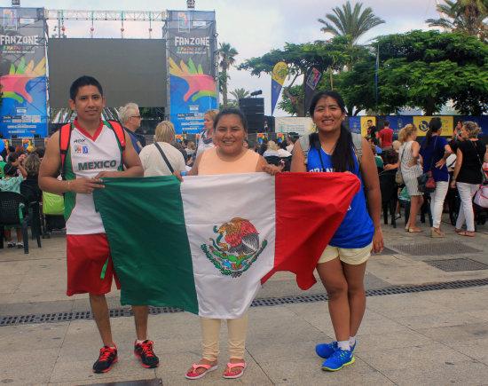Pauliaus Cuberos nuotr./Meksikos krepšinio sirgaliai
