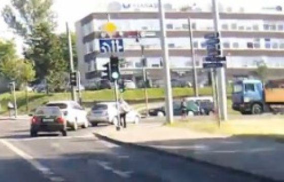 Kelio ženklas prie Kuro aparatūros gamyklos, fotopolicija