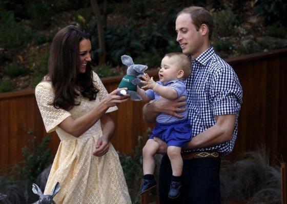 """""""Scanpix"""" nuotr./Princas Williamas ir Kembridžo hercogienė Catherine su princu George'u"""