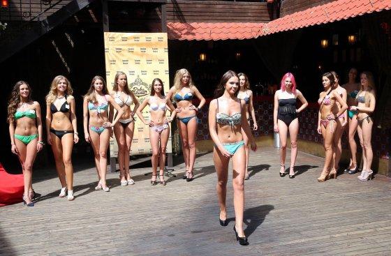 """R.Danisevičiaus nuotr./""""Mis Lietuva 2014"""" finalininkės"""