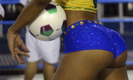 """""""Reuters""""/""""Scanpix"""" nuotr./Brazilijoje dievinamos moterys didelių sėdmenų"""