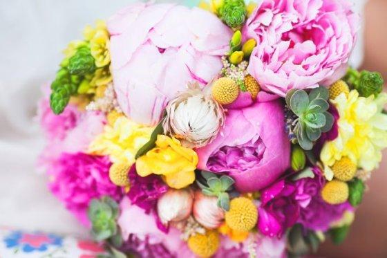 Fotolia nuotr./Pavasario gėlių puokštė