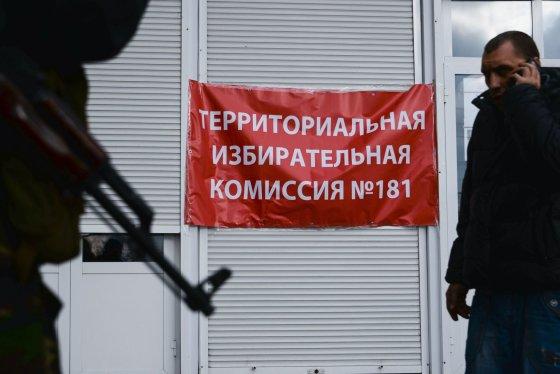 """Scanpix""/""UnFrame""/""Sipa USA"" nuotr./Rinkimai Donecke, Ukrainoje."