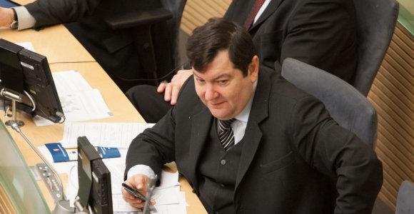 Seimo valdyba neišleidžia Emanuelio Zingerio į Ukrainą, o Rasos Juknevičienės – į Lenkiją
