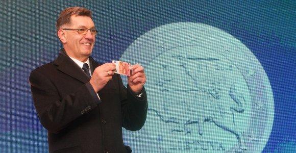 Algirdas Butkevičius: minimalią mėnesio algą nuo kitų metų ketinama padidinti iki 350 eurų