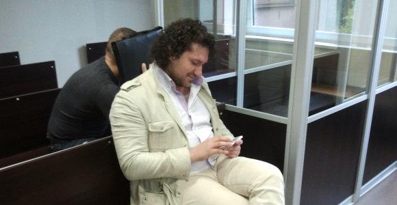 """Narkotikų byloje įsipainiojęs buvęs """"Pikaso"""" narys Davidas Šamrajus išsisuko nuo laisvės atėmimo bausmės"""