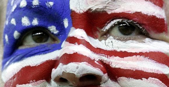 Ar Amerika sutiks dalytis pasauline scena?