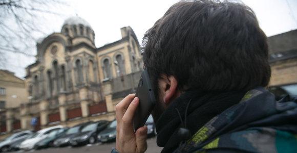 Kaune telefoniniai sukčiai išviliojo 90-metės senolės santaupas