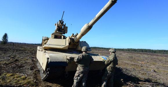 JAV kariai Lietuvoje palieka sunkiąją karinę techniką