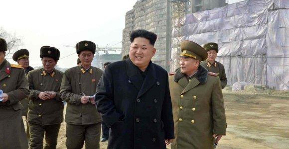 IT ekspertas perspėja: Šiaurės Korėjos programišiai kibernetinėmis atakomis gali ir nužudyti
