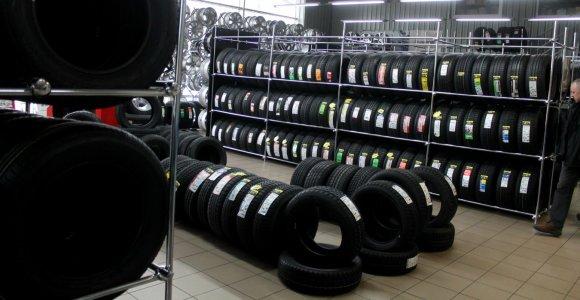 Rokas Lipeikis atskleidžia, kaip taupydami padangoms vairuotojai praranda pinigus