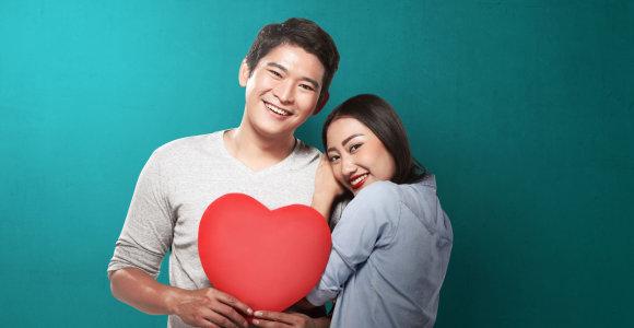 Siekdamos įtikti tėvams, kinės nuomojasi vaikinus