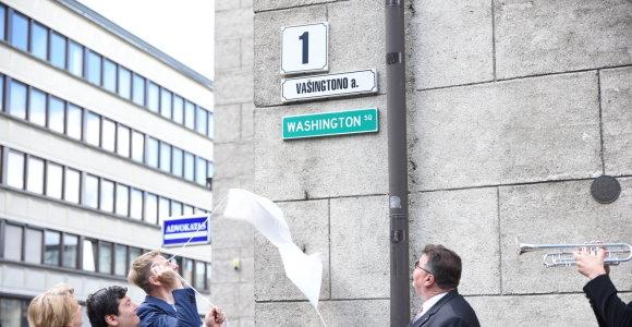 Vašingtono skverą Vilniuje papuošė pavadinimas anglų kalba