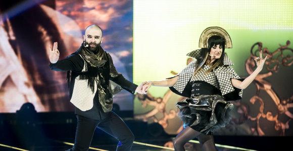 """Katažina ir Šarūnas Kirdeikis """"Žvaigždžių duetuose"""" nukarūnavo Radžį ir Laisvą"""