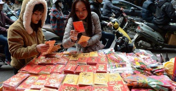 Kinai į beždžionės metus žengė siuntinėdami skaitmeninius pinigų vokus