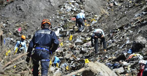 """""""Lufthansa"""" atstovai: antrosios sudužusio lėktuvo juodosios dėžės rasti turbūt nepavyks"""